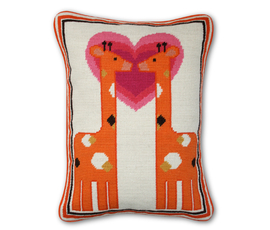 美国 Jonathan Adler  橘色羊毛/羽绒接吻长颈鹿图案枕